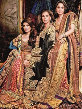 Dimple Kapadia with Twinkle Khanna and Rinke Khanna
