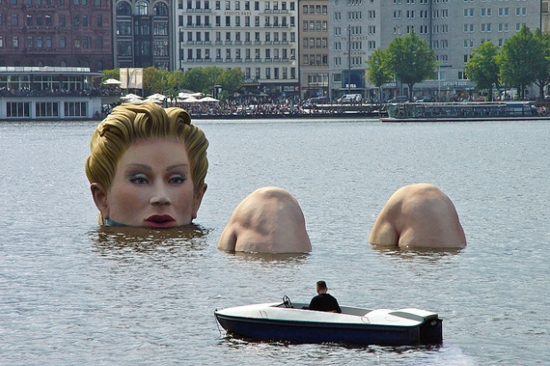 Die Badende (The Bather), Hamburg, Germany