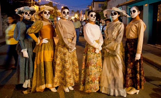 Día De Los Muertos In Merida (Mexico) And Albuquerque (USA)