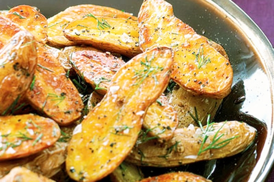 Grilled Potato Chips with Dill (soya leaf)